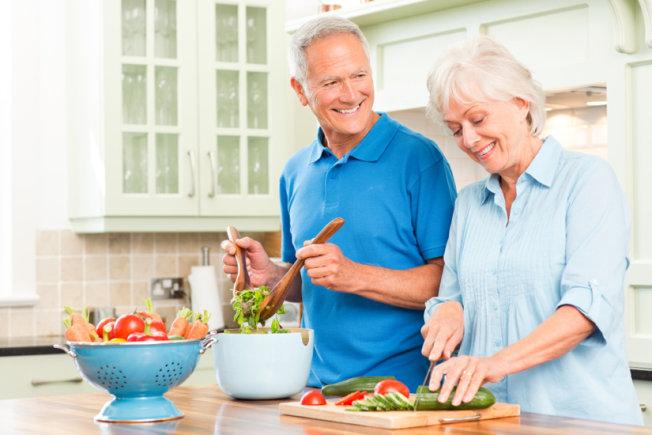 Senior healthy couple